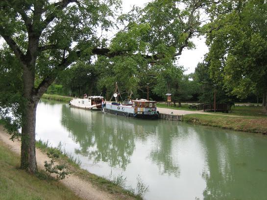 Aanlegplek aan het kanaal naar Montauban