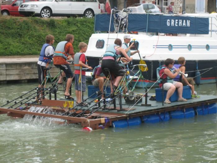 fiets-vaartuig waar muziek op zit