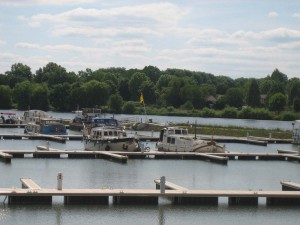 schitterende nieuwe haven van Auxonne