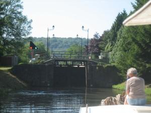 nostalgisch sluisje net vóór het grote aquaduct over de Moezel