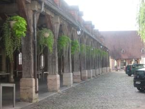 Auxonne, de Hallen uit de 16e eeuw