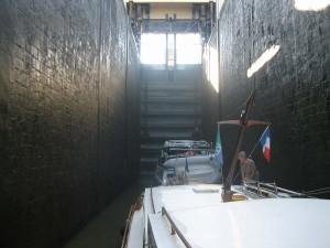 sluisje aan de ingang van het Canal du Centre (verval bijna 10 mtr)