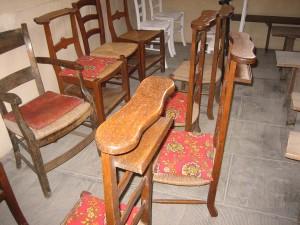 Sanne ervaart jeugdherinneringen in het kerkje van Coulanges