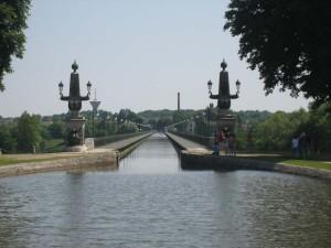 pont canal (aquaduct van bijna 700) meter bij Briare. Ontwerper : Eifel