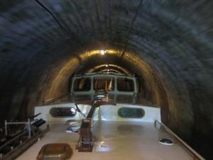 in de tunnel van Pouilly, let op de hoogte van de hoeken van de stuurhut