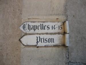 de kerk wijst je de weg, je mag zelf kiezen