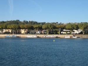 nog maar een paar boten aan de Tarn-kade