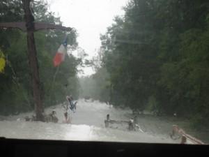 onweer in de smalle sloot naar Serignac