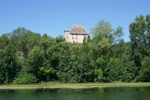 chateau bij Livrade, vlak boven onze favoriete aanlegplek op de Tarn, in the middle of nowhere